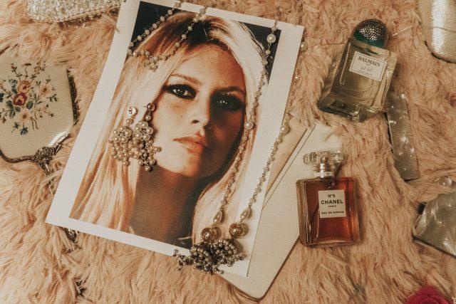 10 style lessons from Brigitte Bardot, Brigitte Bardot Fashion, Brigitte Bardot Style, Brigitte Bardot Makeup, 20th century style icon, Brigitte Bardot fashion