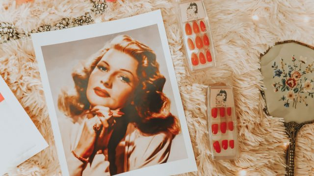 History of the red manicure, resuseable pop on manicure, old hollywood red nails, red pop on manicure, old hollywood inspired manicure, the most iconic red manicures in hollwyood history, rita hayworth nails,