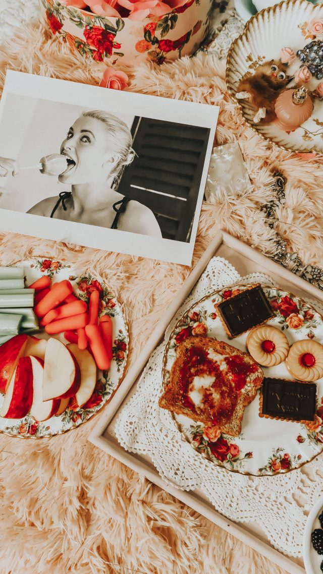 Grace kellys diet, Grace kelly, grace kellys favorite foods, old hollywood diet