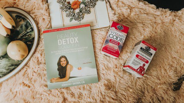 Dita Von Teese's Diet, Dita Von Teese Diet, Dita Von Teese Beauty Secrets, Dita Von Teese Favorite Foods