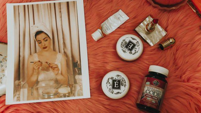 Dita Von Teese Morning Routine, Dita Von Teese, dita Von Teese diet, Dita Von Teese Skincare Routine,